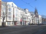 Provisionsfrei aus Bankenverwertung (ZV): Grundstück mit Hotel, Wohn- und Geschäftshaus & Entwicklungsgrundstück in Landeshauptstadt (Ostdeutschland)